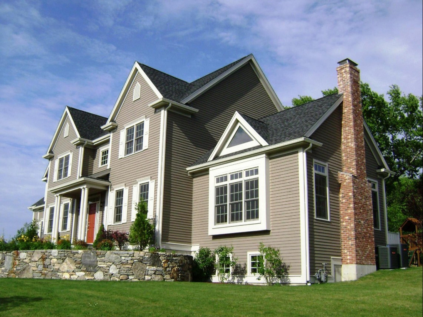 Equip Your Property With Stylish and Durable Siding
